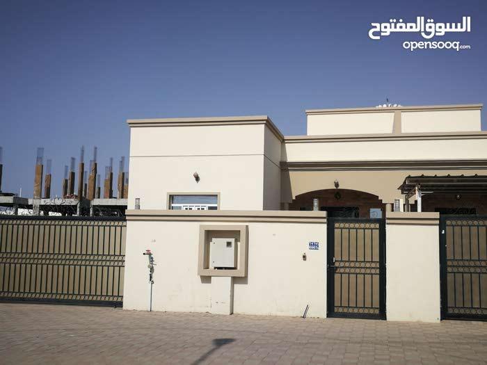 Villa for sale with 4 rooms - Seeb city Al Maabilah
