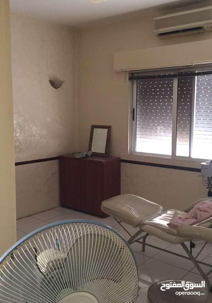 مكتب للايجار بالقرب من مستشفى  ابن الهيثم
