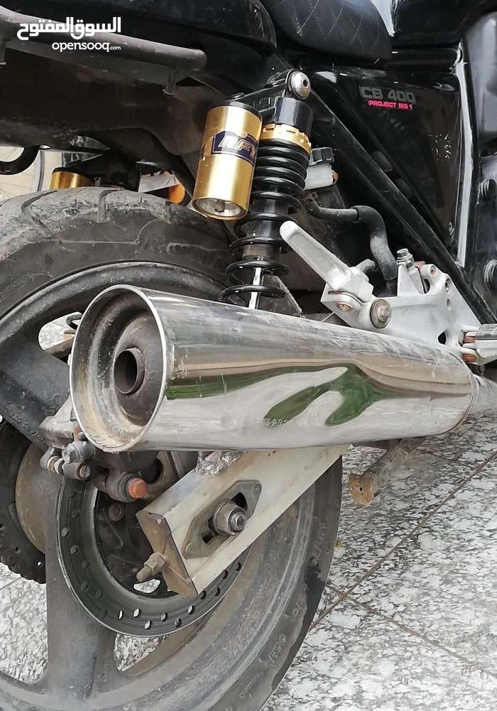 دراجه بطح CB400