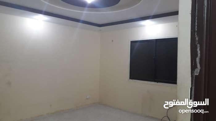 شقة عزاب  مميزة بالرياض حي الروابي  غرفة وصالة وحمام