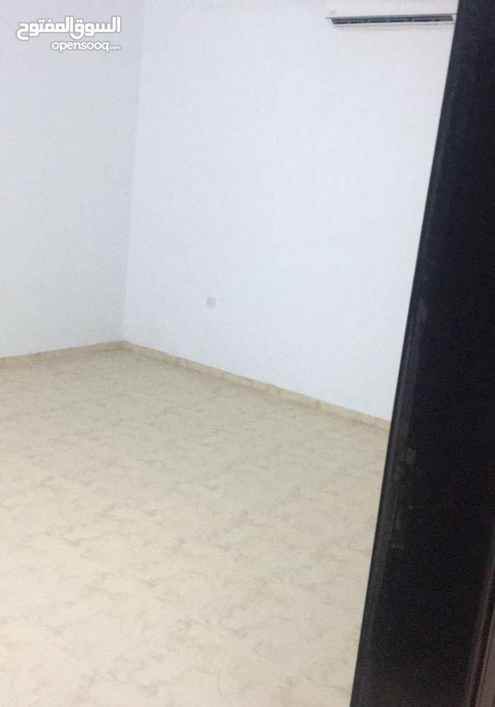 غرفتين مع حمام مشترك two rooms with bathroom