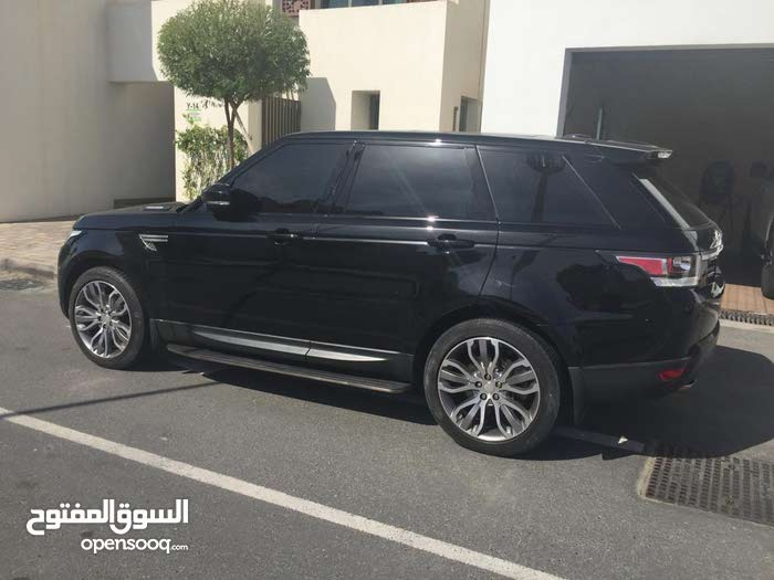 Land Rover Range Rover Sport in Abu Dhabi