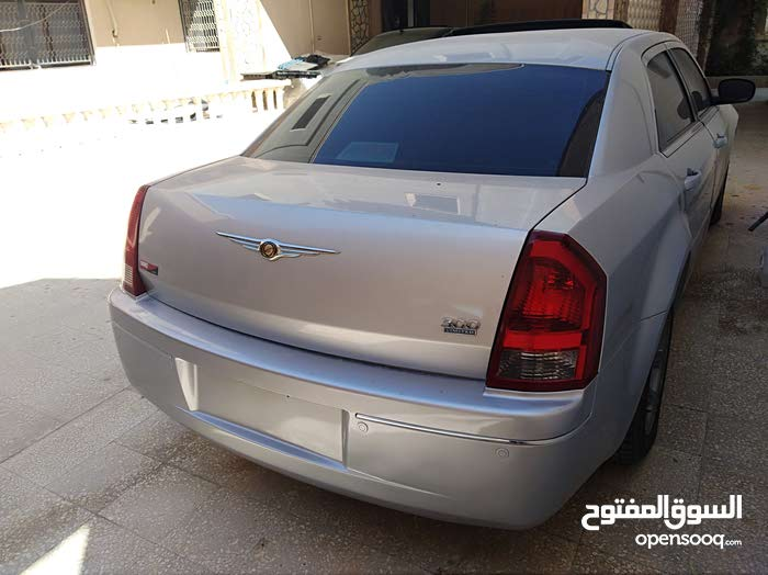 Used Chrysler 300C for sale in Zawiya