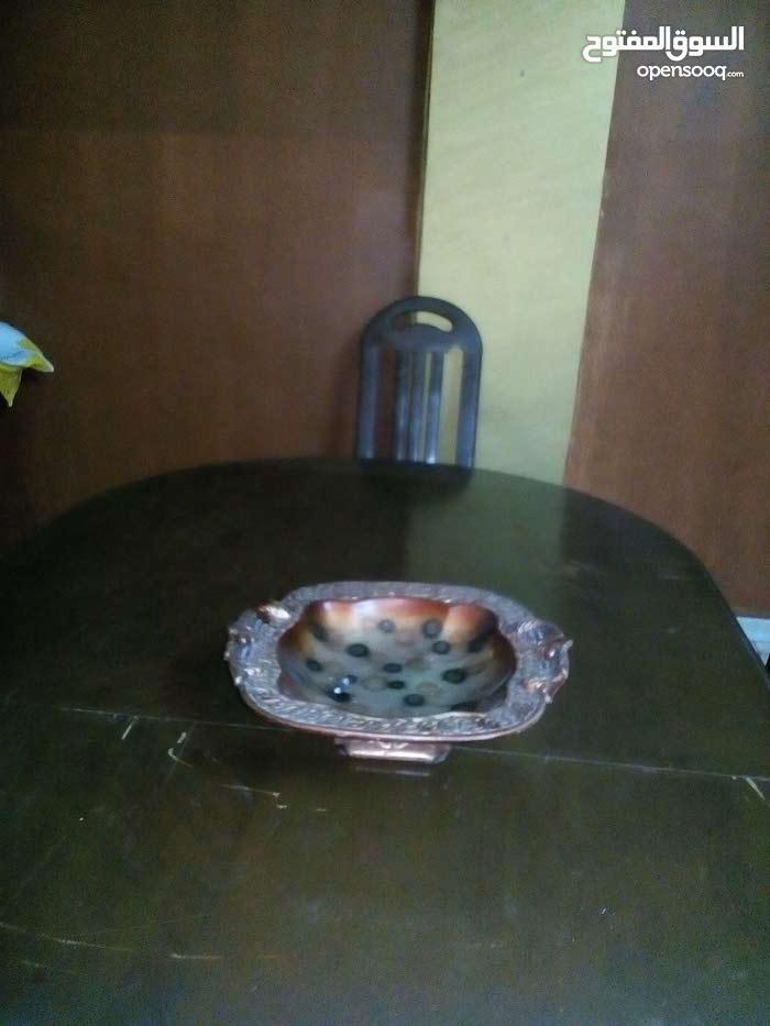 بوفيه + طاولة سفرة مع كراسي بحالة جيد