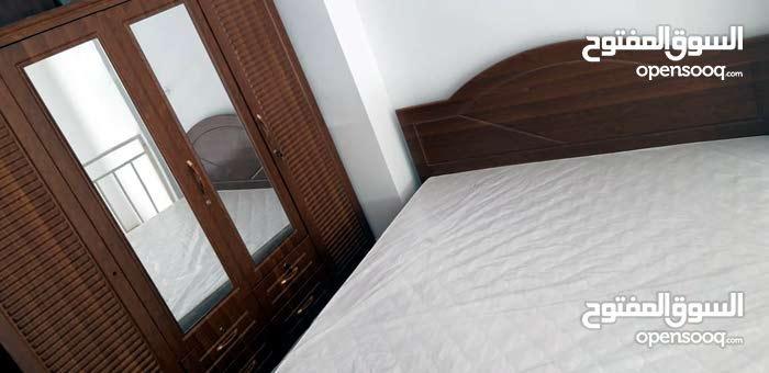 تعيين غرفة نوم جديدة لون قوي جدا كثيرة متاحة مثل اللون الأسود