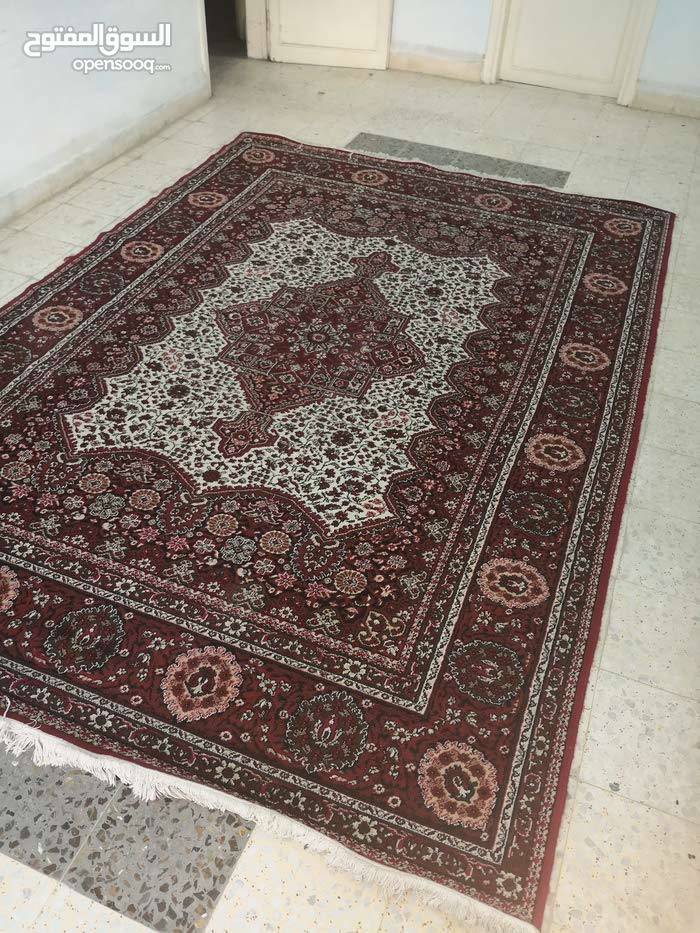 Used Carpets - Flooring - Carpeting for immediate sale