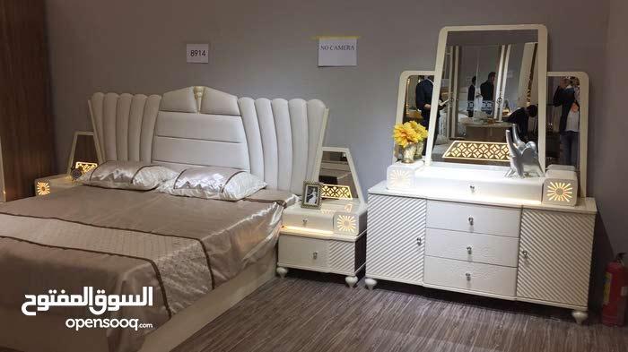 غرفة نوم مع تركيب والتوصيل