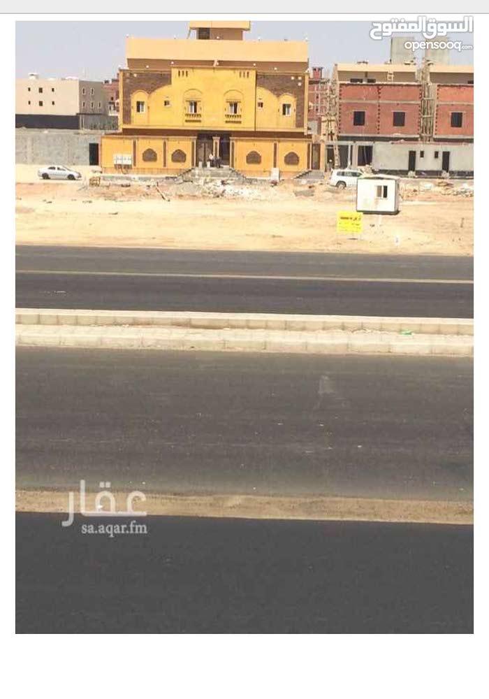 ارض تجاريه وسكنيه لا استتمار بشارع عابر القارات بالقرب من شارع عبد المجيد