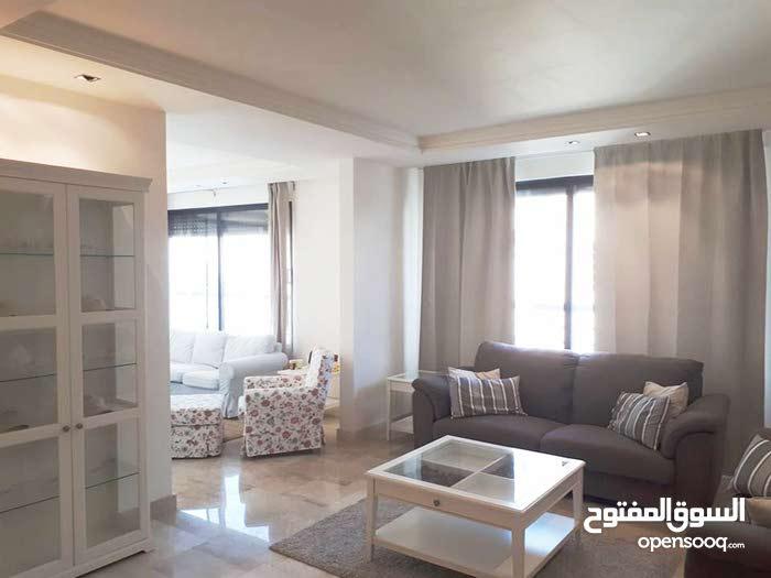 جبل عمان شقه 3 نوم مفروش جديده للإيجار السنوي