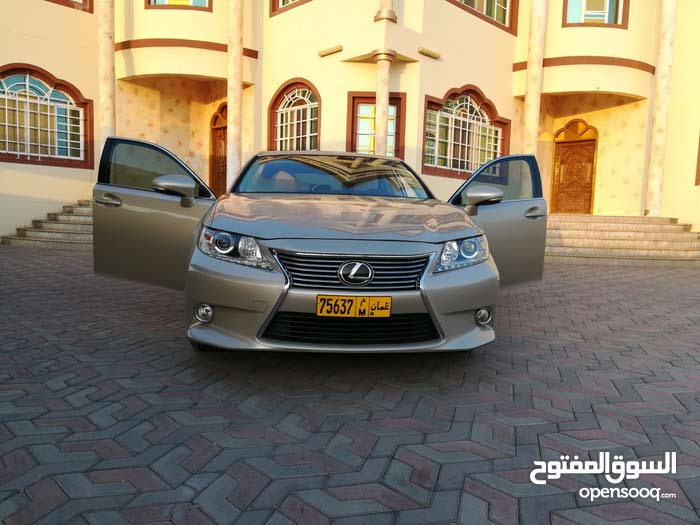 Available for sale! 30,000 - 39,999 km mileage Lexus ES 2015