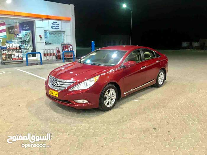 10,000 - 19,999 km Hyundai Sonata 2011 for sale
