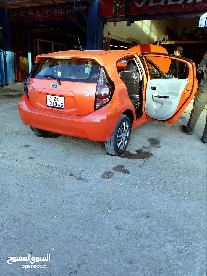 Automatic Orange Toyota 2014 for sale
