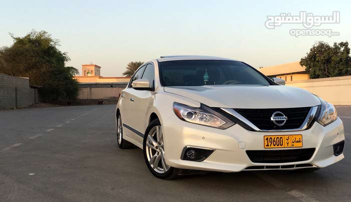 Nissan Altima car for sale 2016 in Muscat city