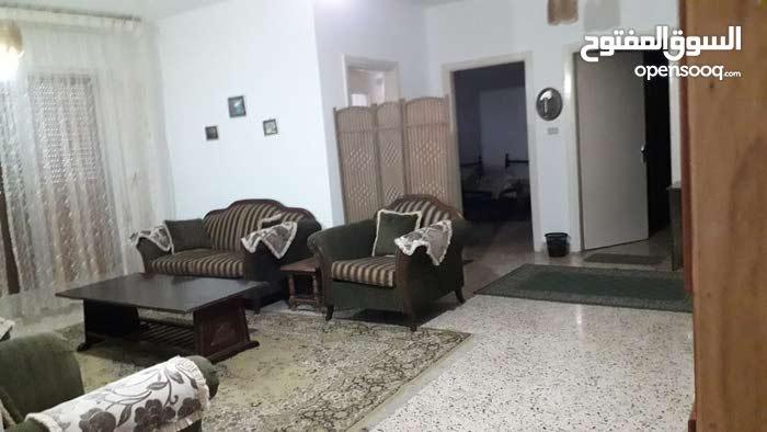 شقة أرضية مفروشة للإيجار بتلاع العلي
