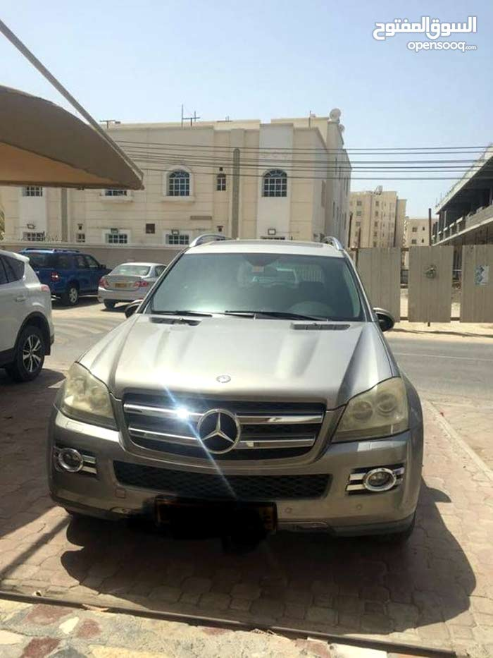 Used condition Mercedes Benz GL 2009 with 0 km mileage