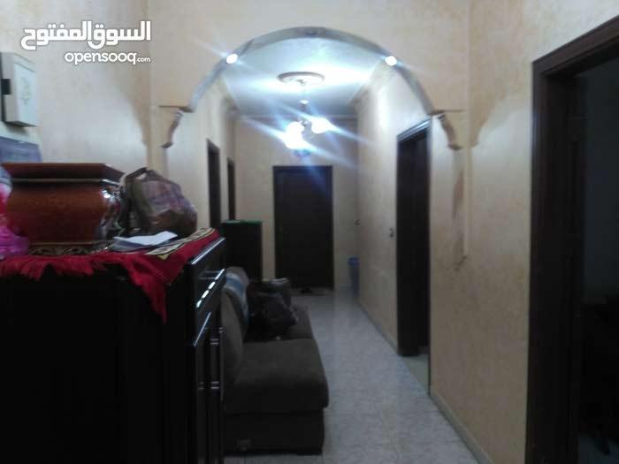Al Balqa' neighborhood Salt city - 150 sqm apartment for sale