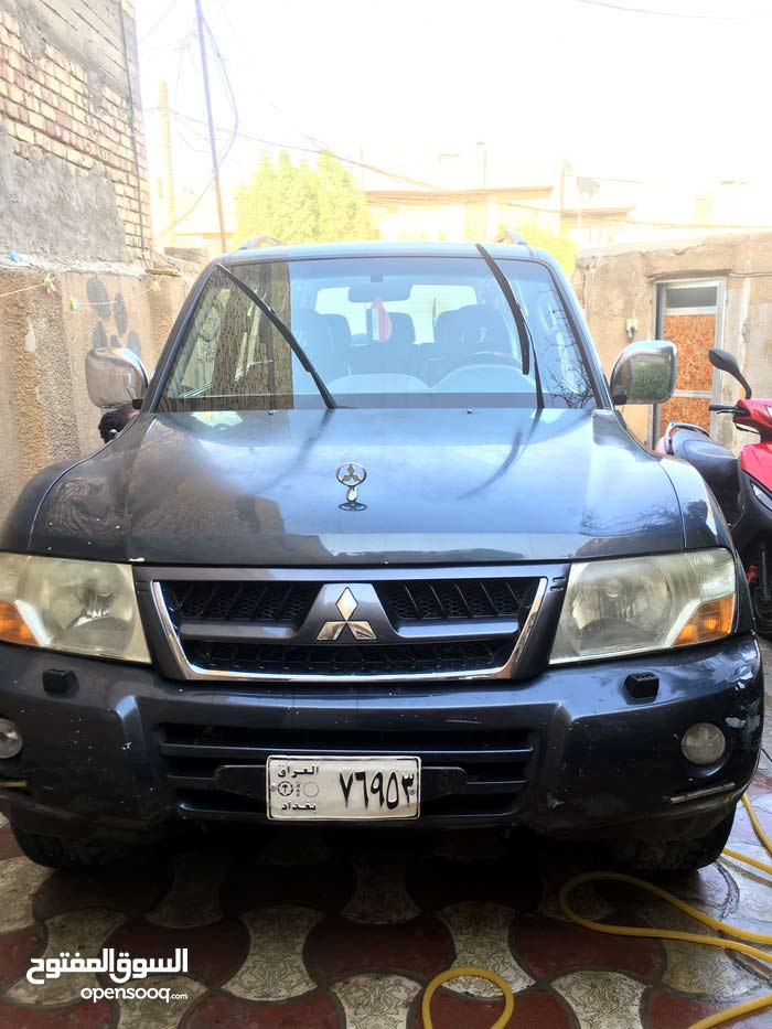 For sale Mitsubishi Pajero car in Baghdad