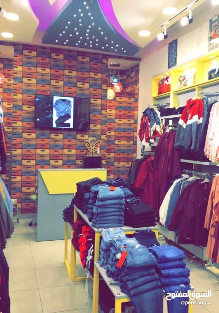 محل ملابس  ستاتي مميز في مول للبيع - الصويفية