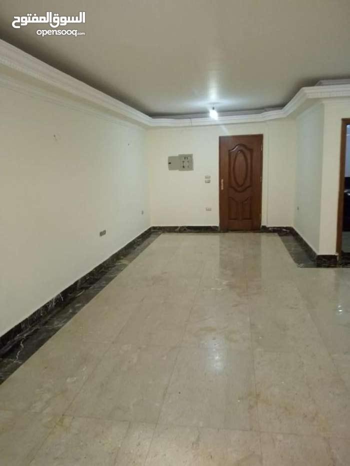 شقة لقطه متشطبه سوبر لوكس للبيع بالتقسيط 120م في المستثمر الصغير الشيخ زايد