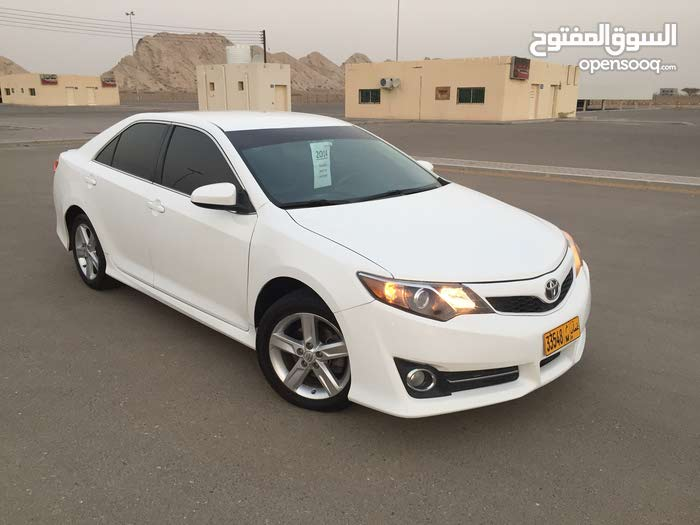 Used condition Toyota Camry 2014 with 70,000 - 79,999 km mileage