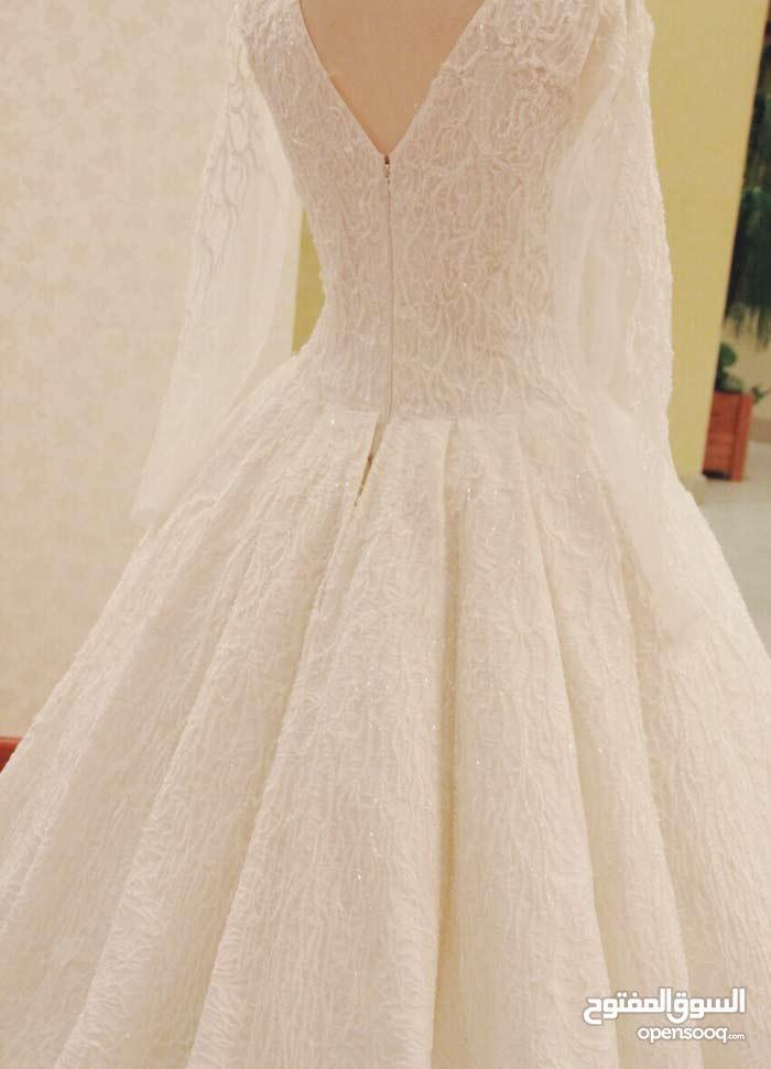 بيع فستان زفافي