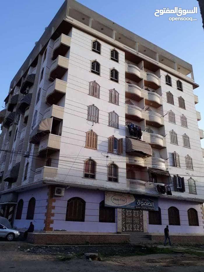شقة لقطة للبيع على طريق بورسعيد لظروف السفر 270 الف سعر نهائي