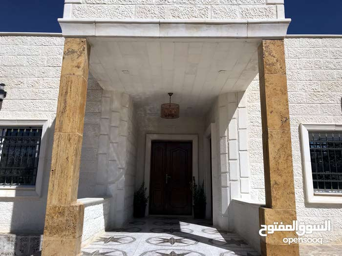 Luxurious 200 sqm Villa for sale in ZarqaGraiba
