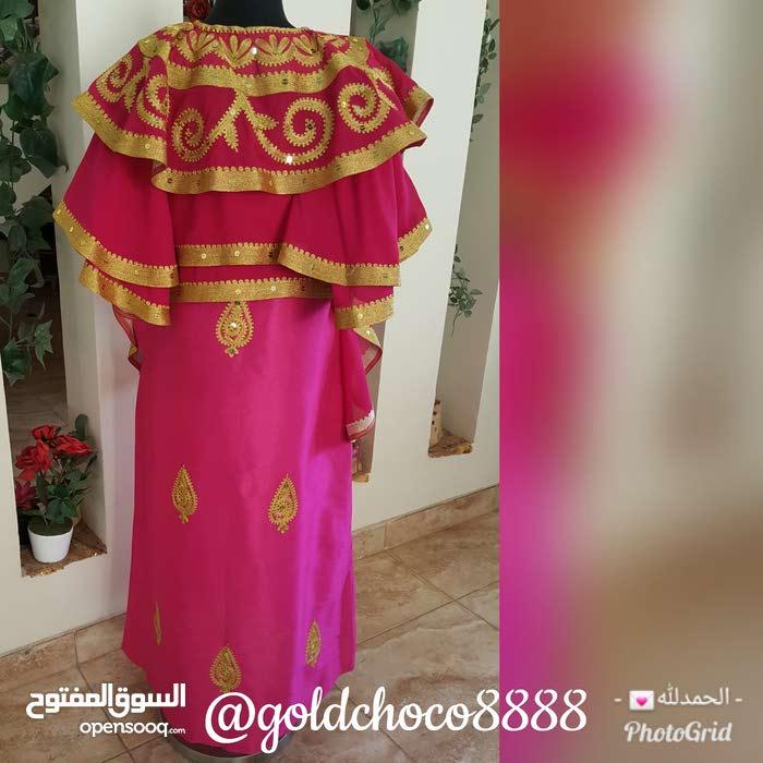 فستان الطبقات مع نطريظ راقي قصير ام طويل