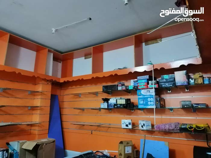 محل في سوق الخوض 4في 4 مساحة