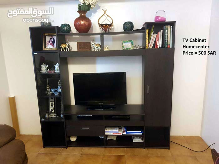 Quality TV cabinet, chandelier and other items.