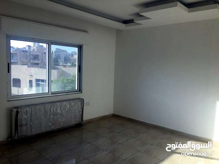 Best property you can find! Apartment for sale in Um El Summaq neighborhood
