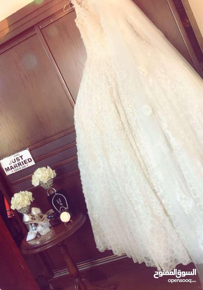 فستان تركي للبيع أو للإيجار