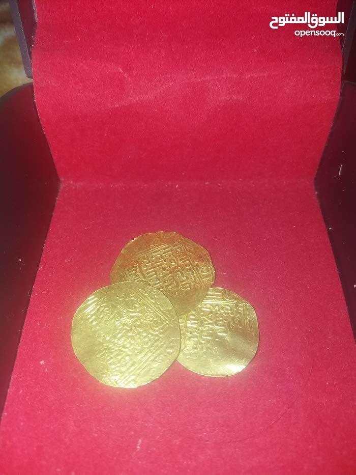 3 عملات ذهبية مرينية