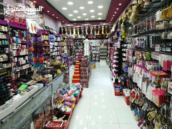 محل للبيع(الموقع: الشارع الرئيسي ..دخلة نقاوة..مقابل النسر الذهبي)
