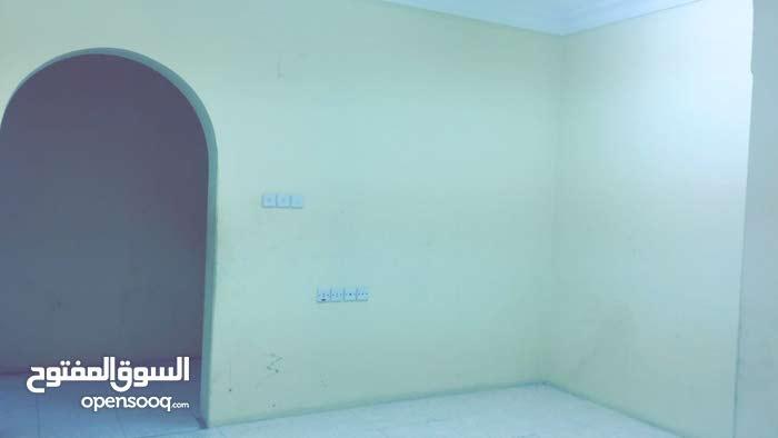 شقة للايجار بالخرج بلاط مساحة صغيرة عمارة الليوان بسعر مناسب