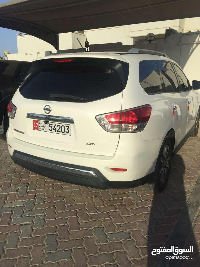 Used 2014 Pathfinder in Abu Dhabi