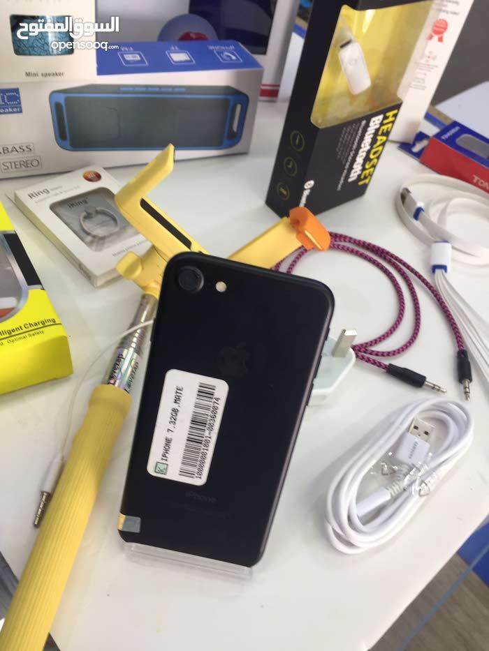 ايفون 7 اسود 32 جيبي