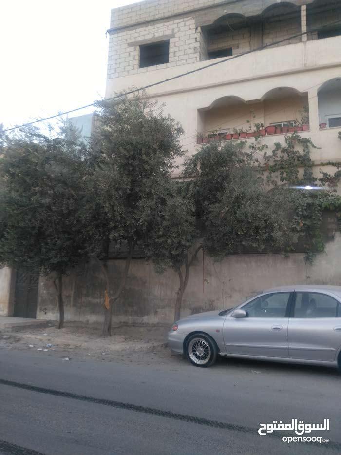 بيت للبيع في منطقة العبدلية