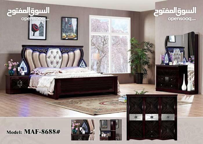 غرفة النوم المتاحة الألوان الأسود والبني وغيرها الكثير