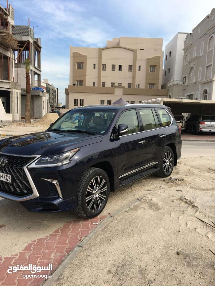 Lexus LX car for sale 2018 in Kuwait City city