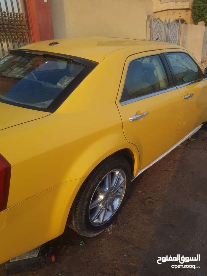 Chrysler 300M in Basra