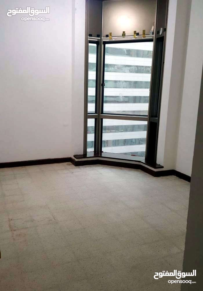 bed space for rent 750 AED