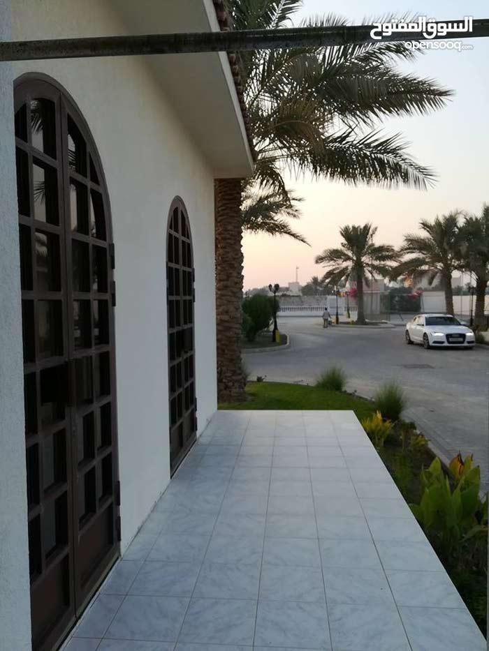 Janabiya /3 bedroom semi furnished villa / inclusive easy access to Saudi causeway