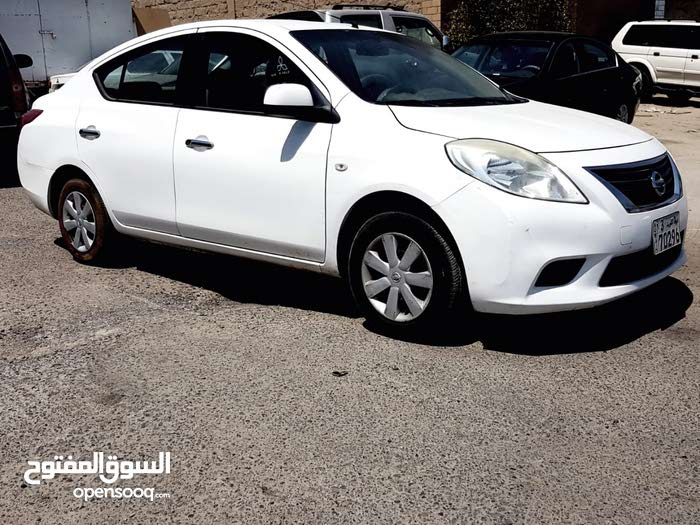Nissan Sunny car for sale 2014 in Kuwait City city