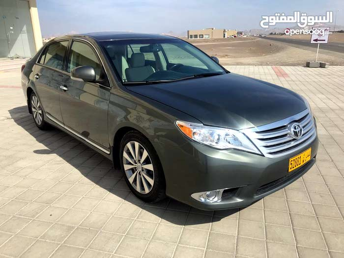 Used condition Toyota Avalon 2011 with 40,000 - 49,999 km mileage