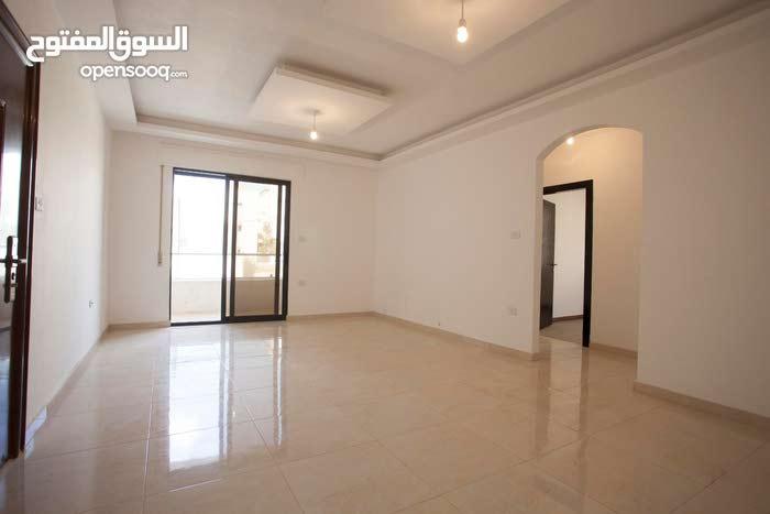 شقة 120م2 ثلاث غرف نوم وثلاث حمامات في منطقة راقية