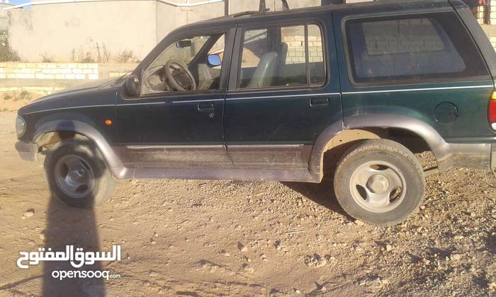 Ford Explorer car for sale 2001 in Gharyan city