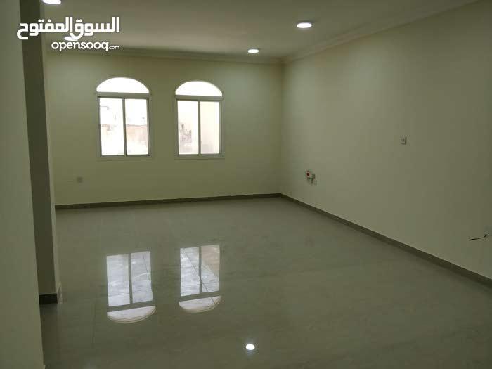 للايجار شقة 3 غرف وصالة واسعة في المنصورة