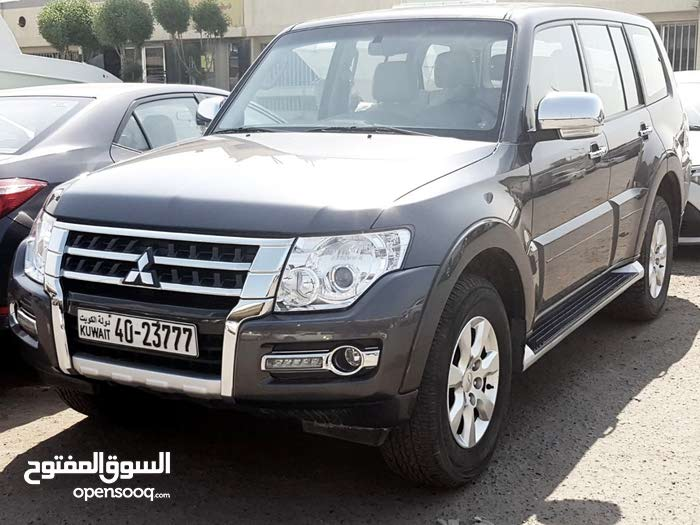 Mitsubishi Pajero car for sale 2016 in Kuwait City city