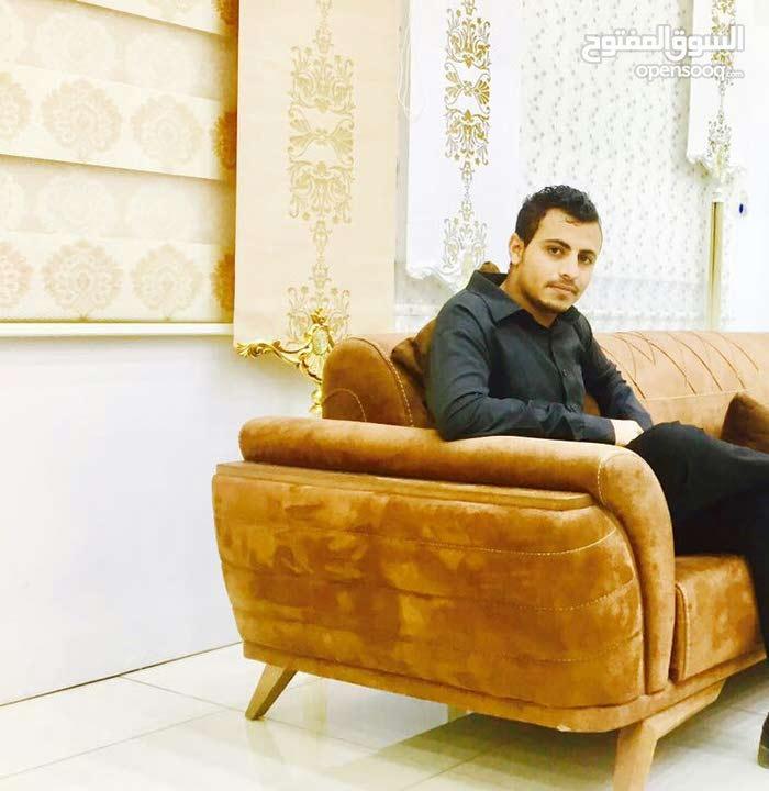 محمد يمني الجنسيه العمر 23ابحث عن اي عمل سائق او بائع